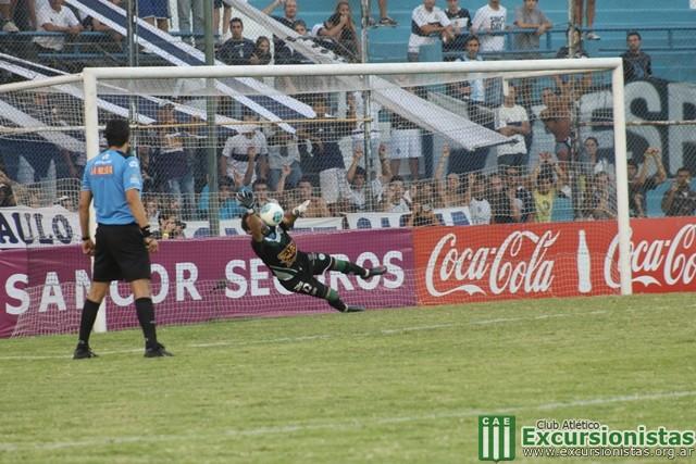 Comienza la hazaña: Malnero le ataja el penal a Benítez