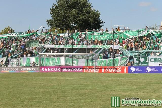 Antes del inicio del partido, la popular del Verde estaba repleta