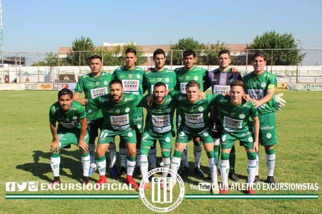 Formación de Excursionistas vs Laferrere.